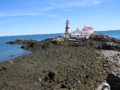 Campobello tides - Quoddy Head Lighthouse at low tide, Campobello, NB
