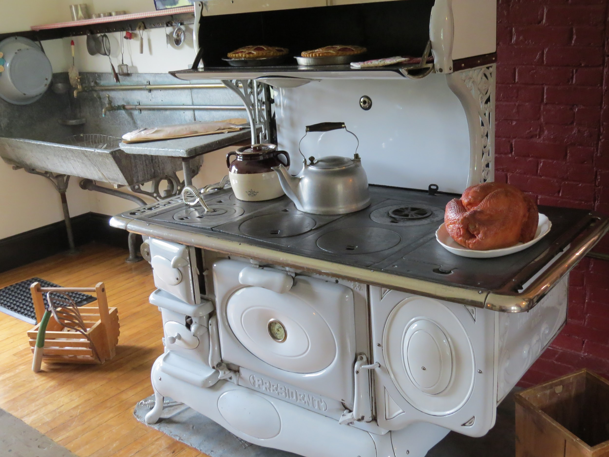 Kitcehn stove, Roosevelt Cottage, Campobello, NB