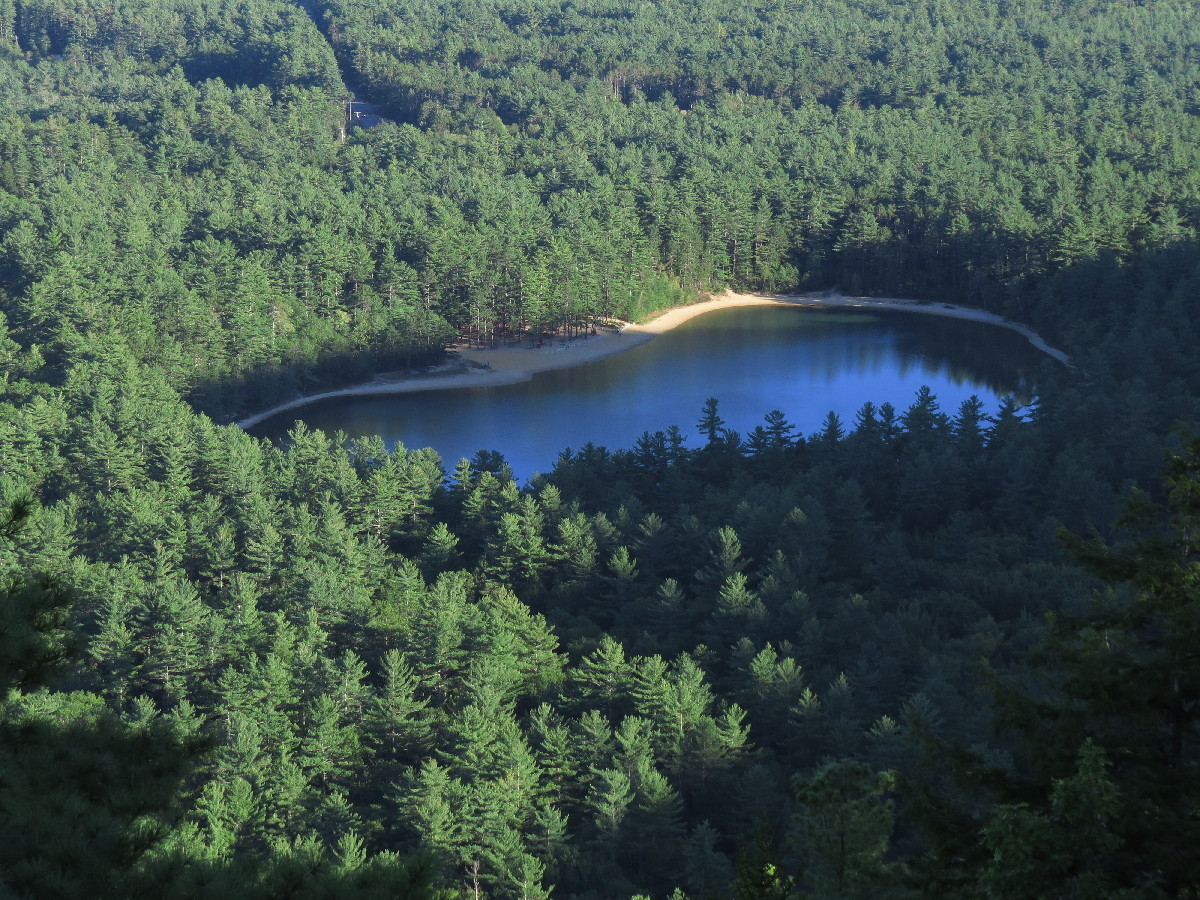 Echo Lake, seen from Cathedral Ledge, White Mountains