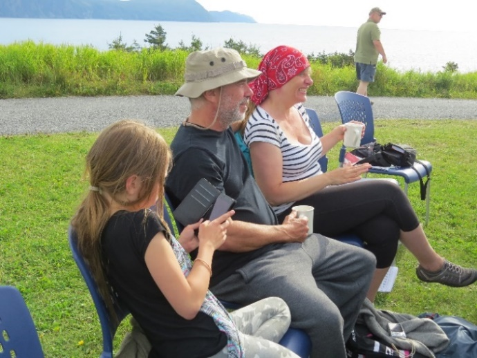 C:\Users\Orit\Pictures\US-Canada trip 2016\Canada - first trip\NewFoundLand - Gros Morne\Lobster Cove lighthouse\Tami, Serge and Alexandra.JPG