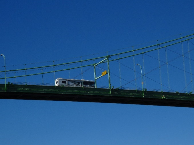 Bridge over the St. Lawrence. Uncle Sam Boat Tours, 1000 Islands