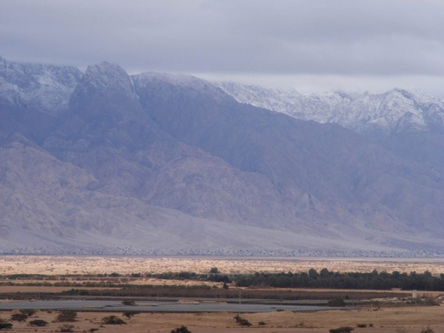 Light in the valley, snow in the mountains. Edom 2013