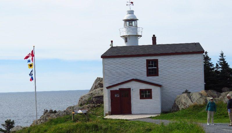 Lobster's Cove lighthouse, Gros Morne, NFL