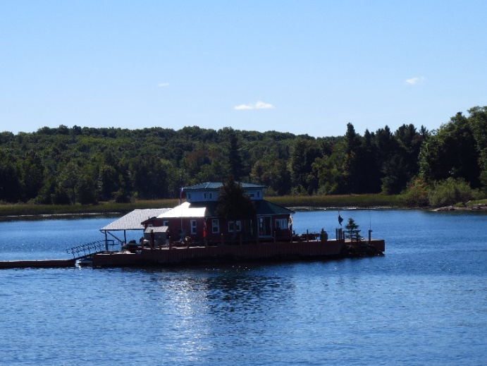 One of a thousand cute little islands, Uncle Sam Boat Tours, 1000 Islands