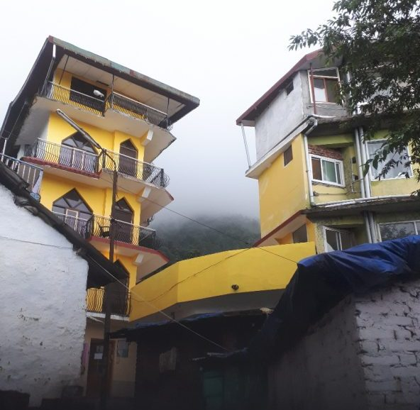 Beit Chabad, Bhagsu, Dharamashala, Himachal Pradesh, viewed from alley leading to it