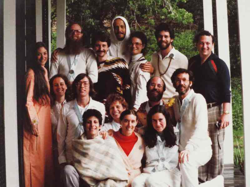Integral yoga teachers graduates with staff and affiliates