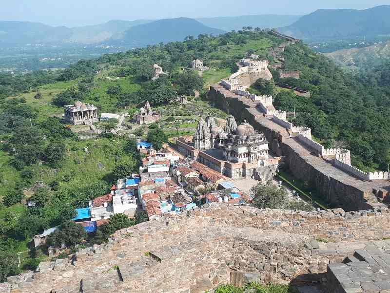Awesome view on Jain and Hindu temples from way to Kumbhalgarh Fort, Rajasthan