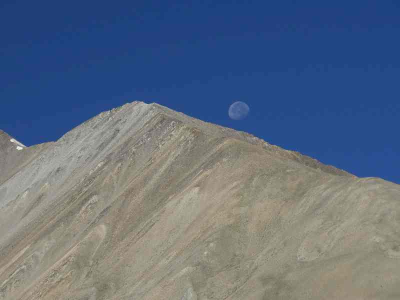 HImalaya moon, Hundar village, Nubra Valley, Ladakh