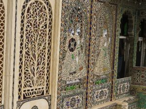 Lace-like decorated partitions. Udaipur City Palace.Rajasthan