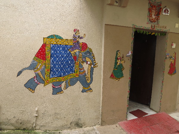 Elephant with raja depicted on wall, Udaipur, Rajasthan