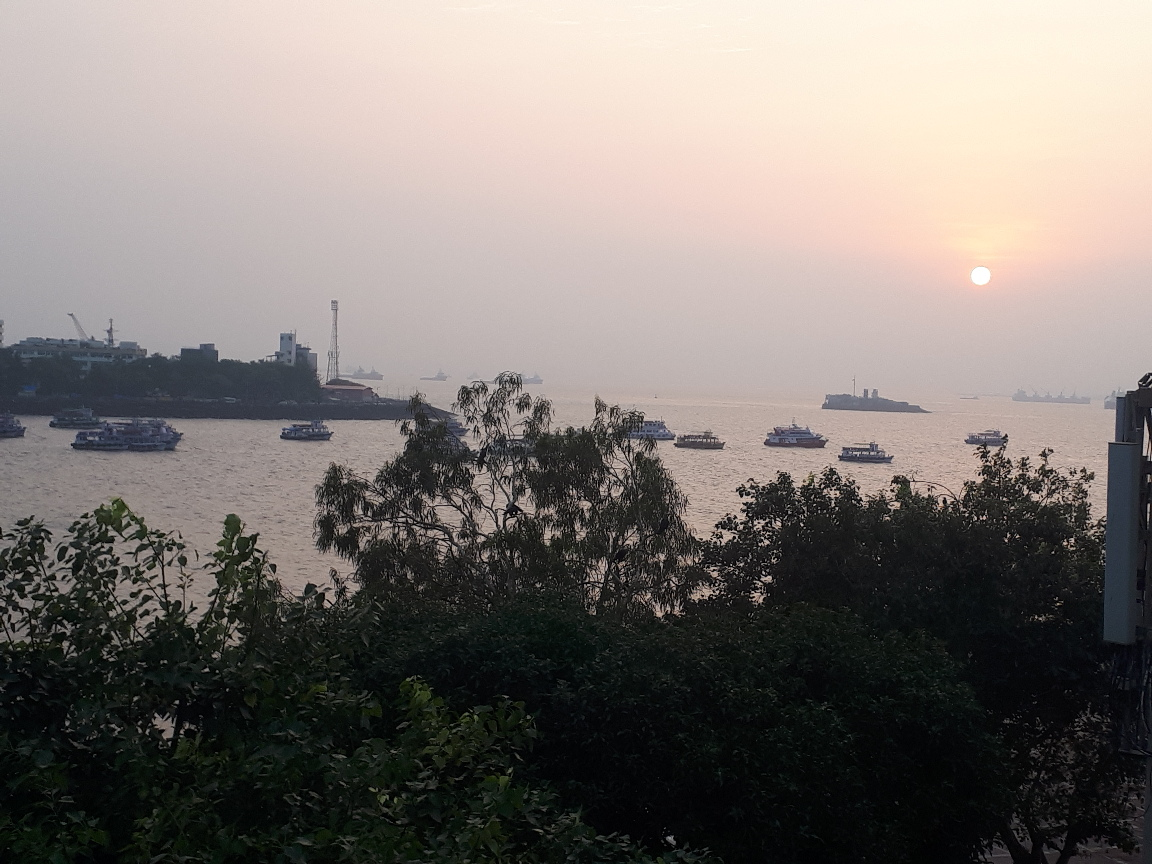 24 Hours In Mumbai – Train, Boat, Taxi, Feet
