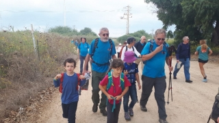 Almagor Hiking Group on the go with grandchildren, israel