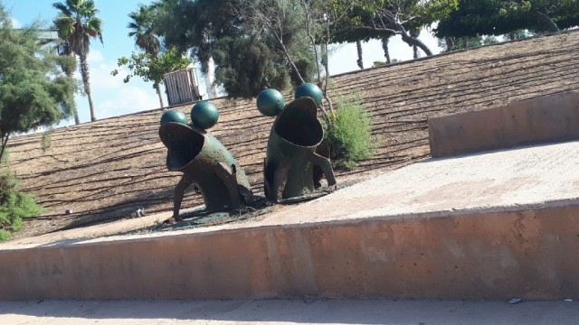 Environmental sculptures along Hadera's promenade