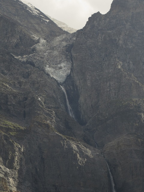 Cascading from glacier, on the Manali-Leh road.