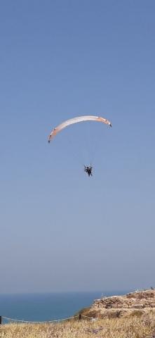 Air gliding. Apollonia