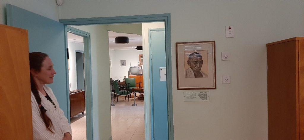 Ben Gurion Museum Sde Boker - pictur of Ghandi in bedroom