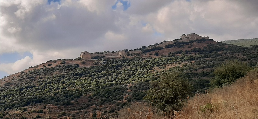Nimrod Castle with clouds (3)